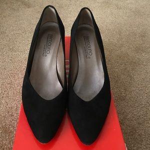 Vintage black suede heels