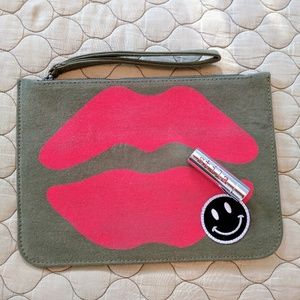 Lauren Moshi Lusha Red Mouth with patch CLUTCH