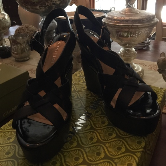 Gianni Bini Black Platform Wedges