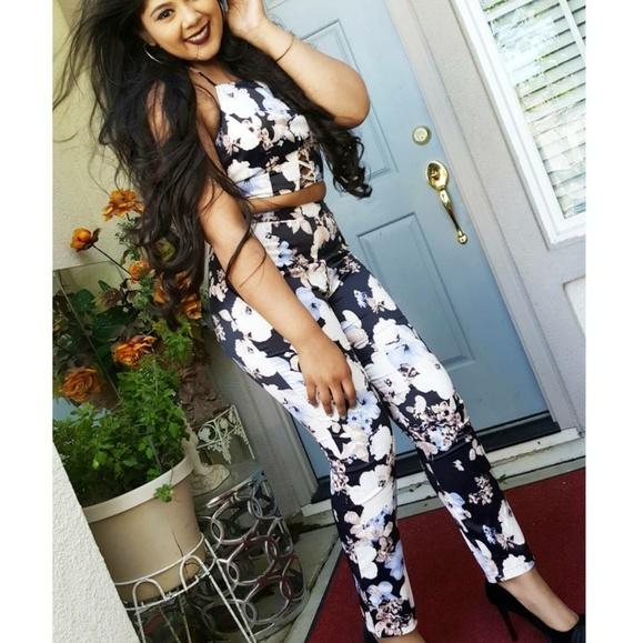 ce55cea0158de6 2 Piece Crop Top Pants Set Fashion Nova Size L!!