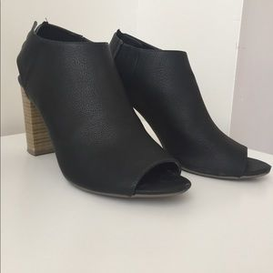 Black Mules with Heel Strap