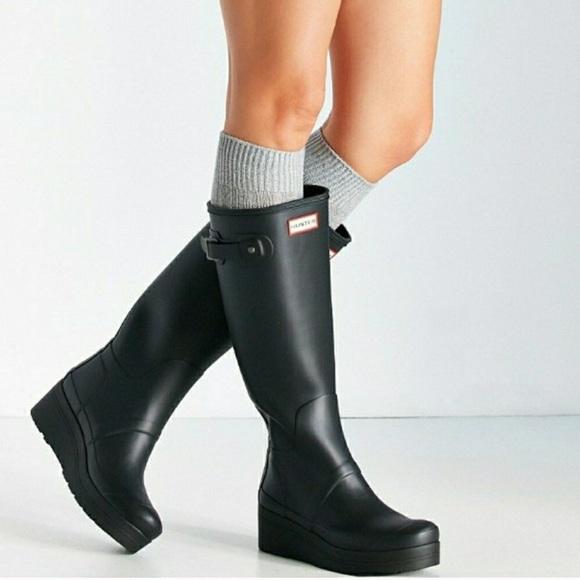 1939e8e9265 Hunter low wedge original black rain boots NWT