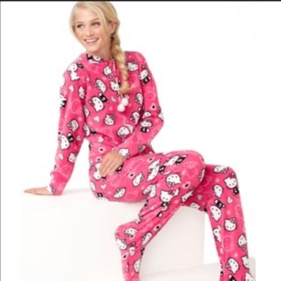 27ac79b23 Hello Kitty Pajamas   Onesie Pajama Outfit Size 8   Poshmark