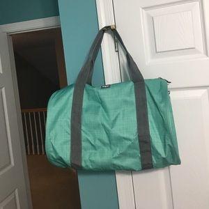 Handbags - 31 duffle