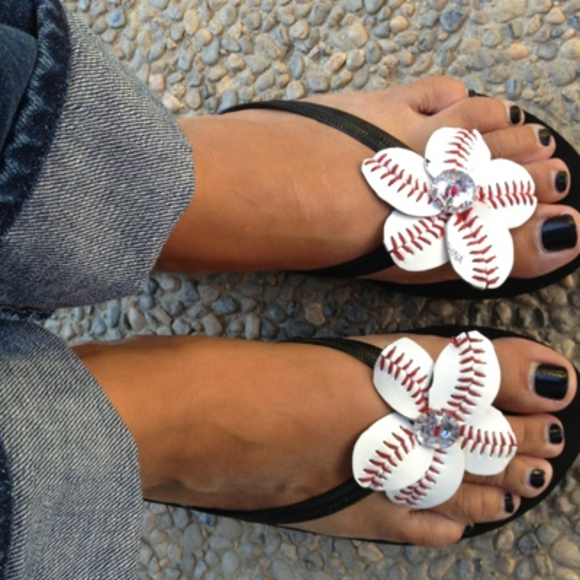 7b391b4ba Baseball OR Softball Flowers w  Flip Flops