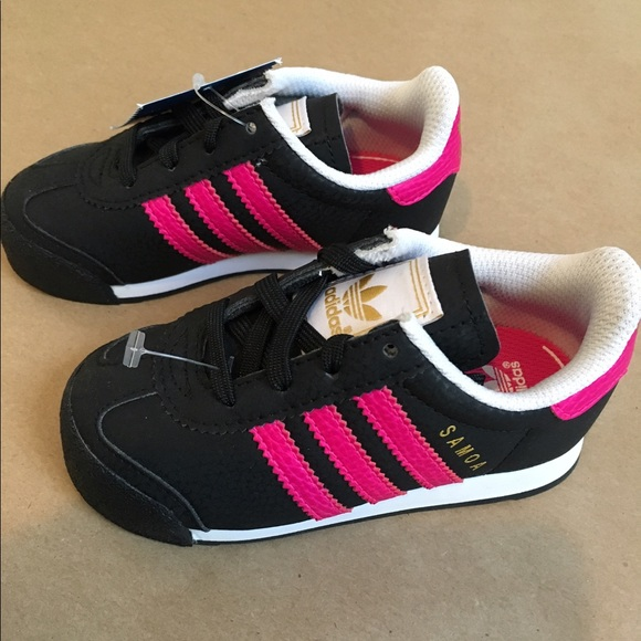 best website 3bf15 da413 Black and Pink Adidas Samoa Toddlers Size 7