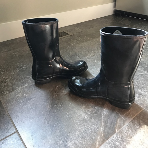 52 off hunter boots shoes sale sale sale hunter rain boots glossy short from hannah 39 s closet. Black Bedroom Furniture Sets. Home Design Ideas