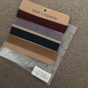 NWT VELVET CHOKER SET OF 4