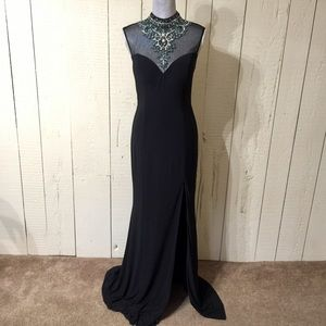 Stunning Black Gown 💥PRICE FIRM💥