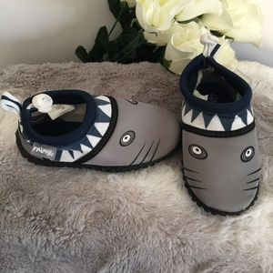 Boys shark water shoes Infant 6