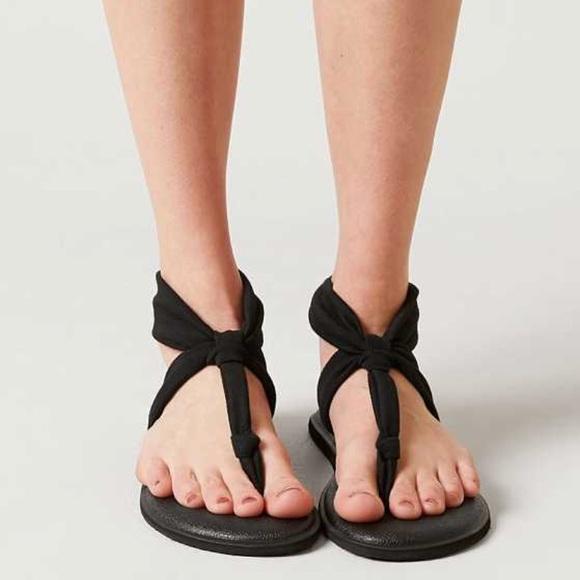b6f5412a670 Sanuk yoga sling Ella black sandals. M 5962dce5bcd4a7cd4d02cc71
