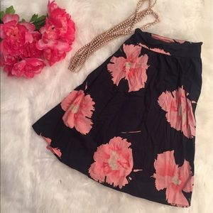 Dresses & Skirts - Floral Flared Skirt
