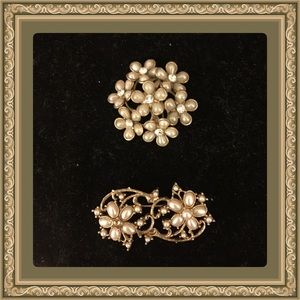 Jewelry - Set of 2 smaller vintage brooch set
