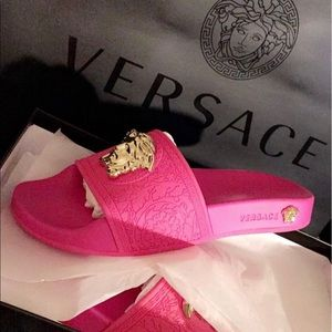47e0e08b799a1e Pink Limited edition Versace medusa head slides ...