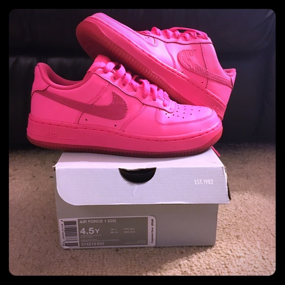 the latest f32a9 306e9 Nike Air Force One Low Vivid Pink. M 596331774e95a379770a0225