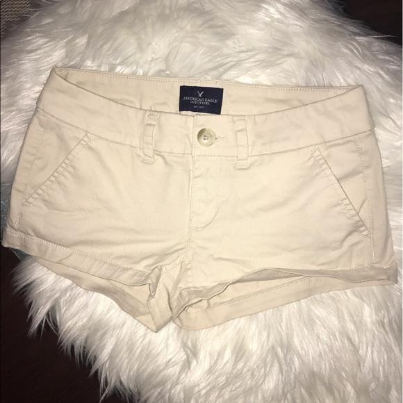 "American Eagle Outfitters Pants - American eagle size 00 ""shortie"" khaki shorts"