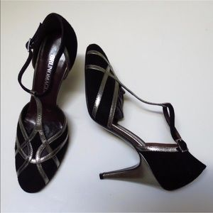 Bruno magli t strap heels made in Italy free ship