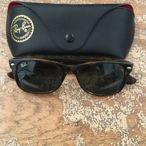 Tortoise shell ray bans