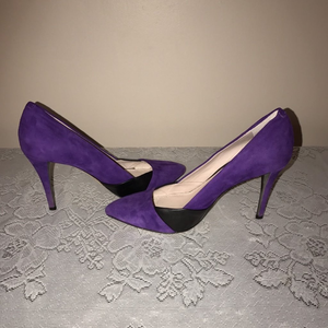 Vince Camuto Suede/Leather Heels, Size 7
