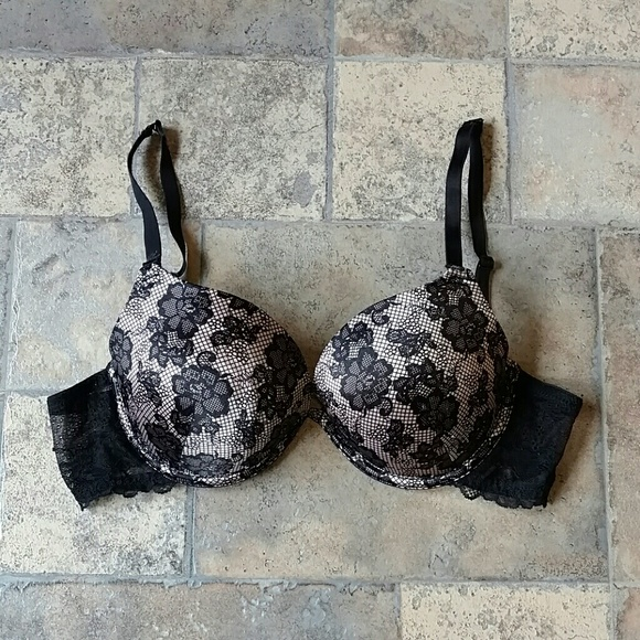 f264ba7aedd30 Ambrielle Other - Ambrielle convertible extreme push up bra
