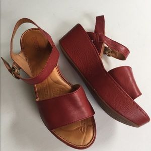 EUC Born leather wedge sandals