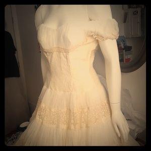 Dresses & Skirts - Vintage lace wedding dress