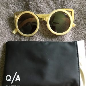 Like new QUAY SUNNIES!!!!!