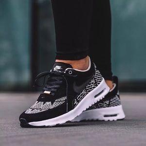 "Women's Nike Air Max Thea LOTC ""NYC"" Sneakers"