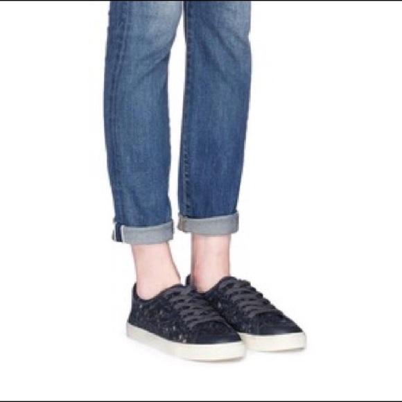 fbc7ea5336d NIB Tory Burch Rhea Navy Lace Sneakers