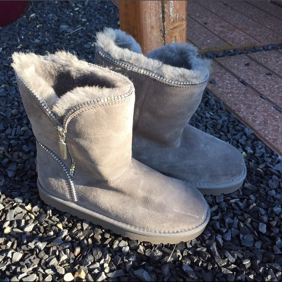 UGG Australia Girls Grey Florence Boots Size 3 NEW