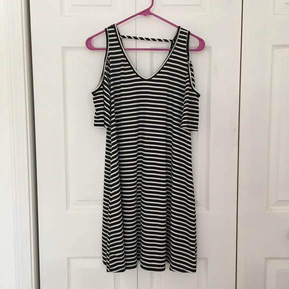 30369e5efcba29 Acemi Dresses   Skirts - Black   White Striped Cold Shoulder Dress