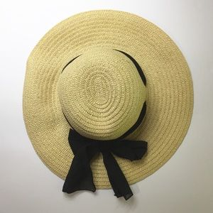 Accessories - BEACH HAT