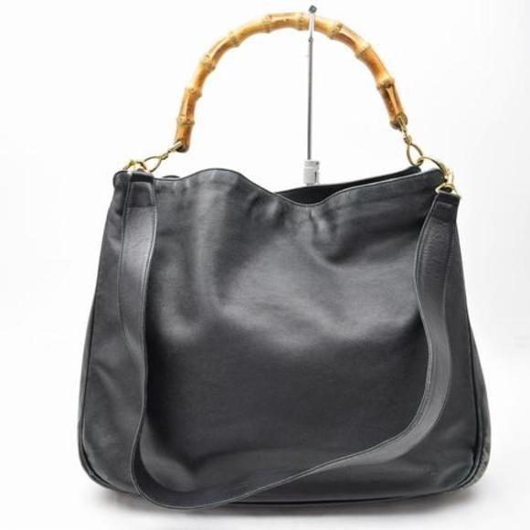 071c8e1e1 Gucci Handbags - Gucci Leather Bamboo Satchel Tote.