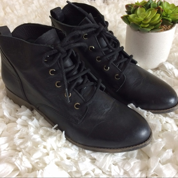 31239af9a38 Steve Madden Rubin black leather booties 9.5