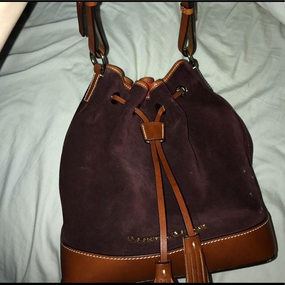 Vintage used Dooney & Bourke satchel Smoke free nwt authentic dooney & bourke woven hobo bag with leather trim & accessories. See complete description Notify me before the end of the auction4/4(36).