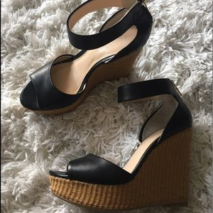 ✨NWOT ✨Banana Republic peep toe platform wedge