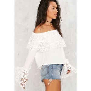 Nasty take up space off the shoulder top