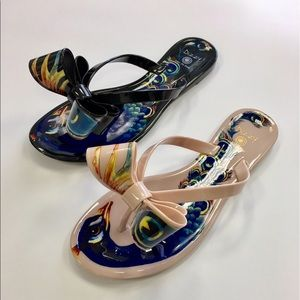 ad84caf71 dizzy Shoes - Black peacock bow patterned sandal