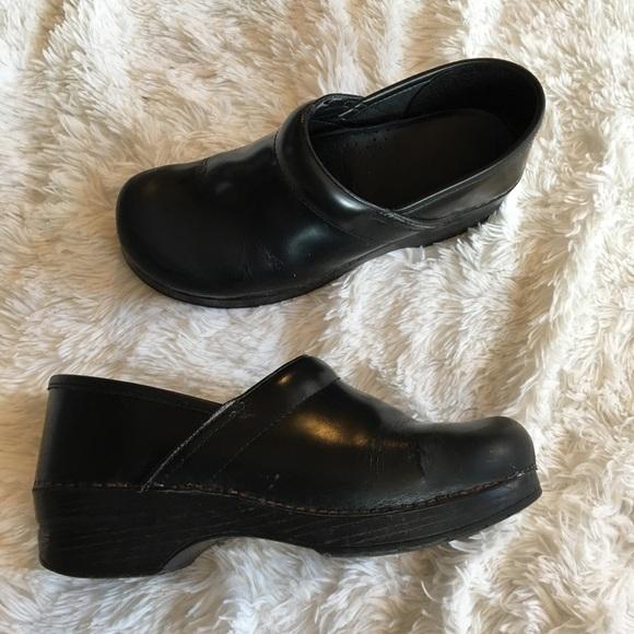 Flawed 41 Solid Black Leather Nurse