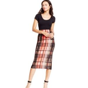 Dresses & Skirts - Pencil Skirt