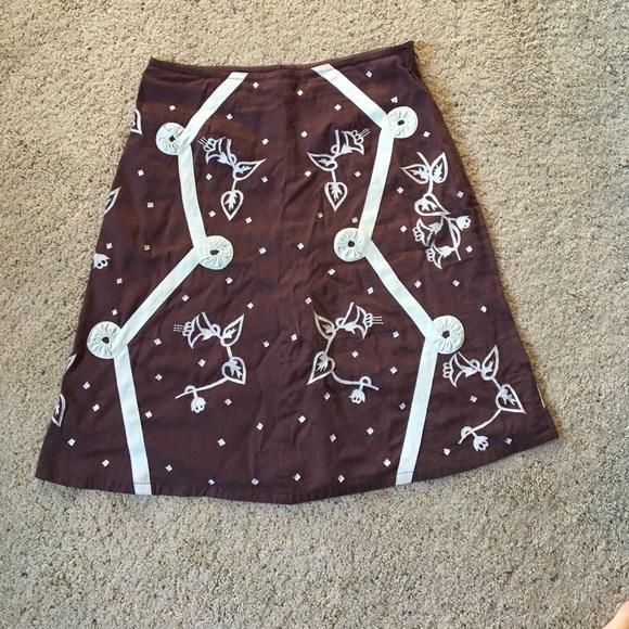 snak Dresses & Skirts - Embroidered skirt