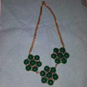 Jewelry - costume jewelry Statement necklace