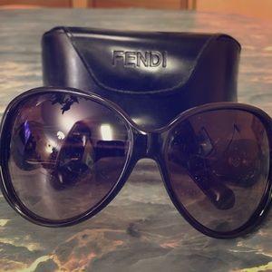 Women's Iconic Buckle Fendi Sunglasses