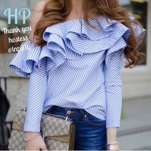 Ruffled, striped, off shoulder top ❤️