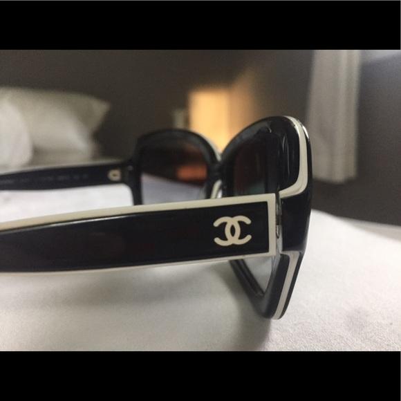 premium selection cute new york Chanel sunglasses black & white- 5143 (used)
