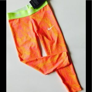 NWT Nike Dry-Fit Neon Pink Girls Leggings -Size 5