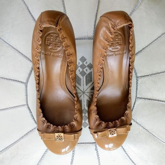 Tory Burch Romy Patent Cap Toe Leather Mid Heels