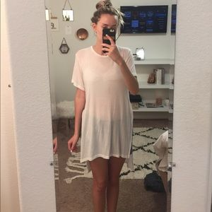Brandy Melville high to low shirt