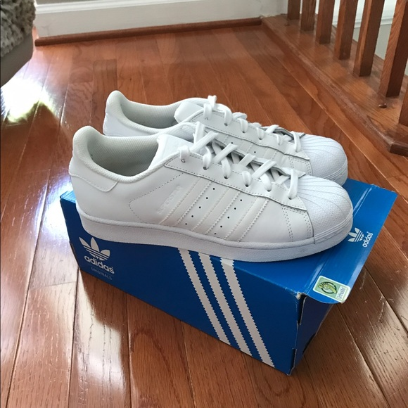 sports shoes e363f aa08d Adidas Superstar Foundation J White B23641 NWT