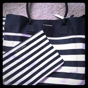 Victoria secret weekender bag. Brand new!